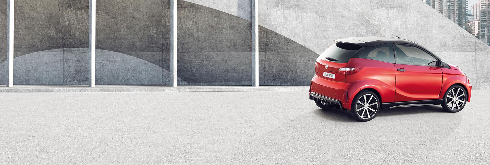 Aixam Coupe GTI in rot von der Seite